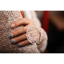 花朵线条戒指